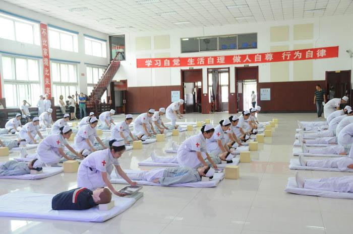 我校成功举办第十届护理技能大赛